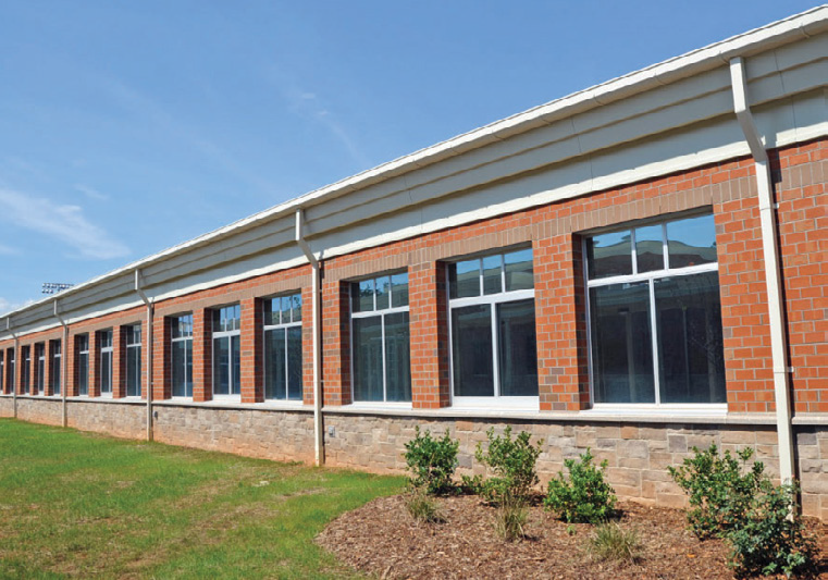 The exterior of Mountain View Elementary showcasing the Mesastone brick overlay